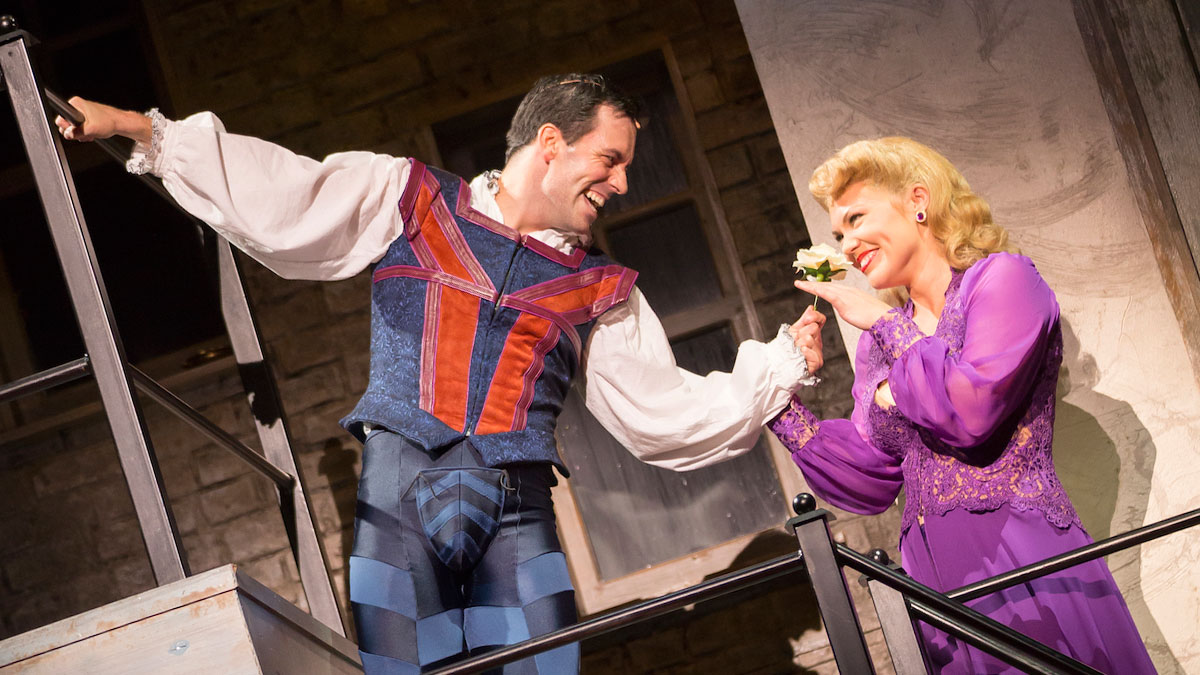 Clyde Alves and Robyn Hurder in Kiss Me, Kate, directed by Alan Paul. Photo by Scott Suchman.