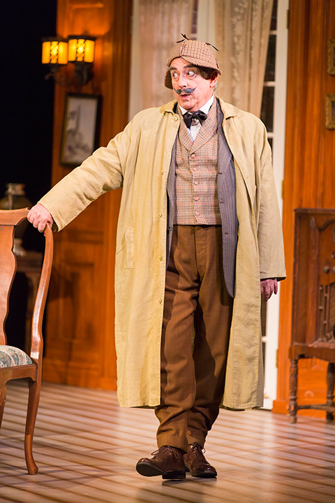 Robert Dorfman as Inspector Hound in STC's production of The Real Inspector Hound